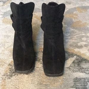 🔥🔥💗Chanel Black Suede Boots!